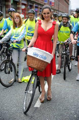 Kelly Brook  with skyride