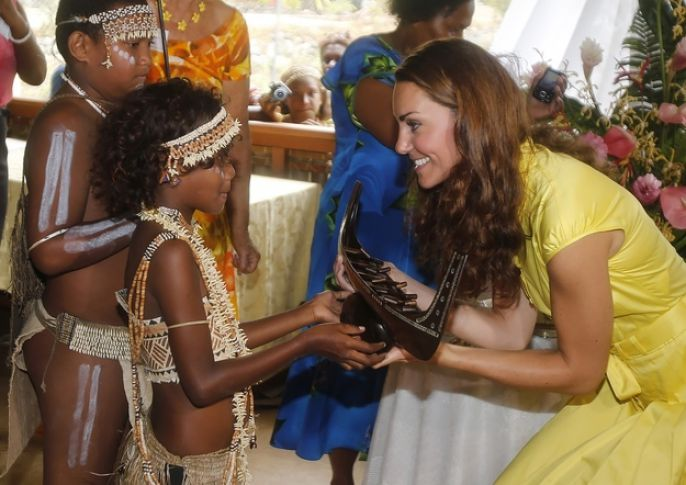 Kate Middleton meeting a little girl