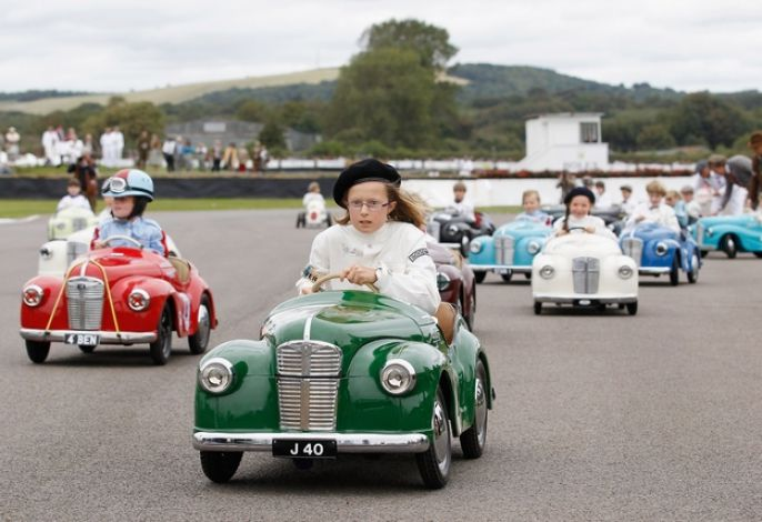 Goodwood Revival Kids in cars
