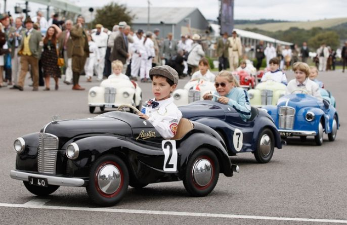 Goodwood Revival Kids enjoying the race