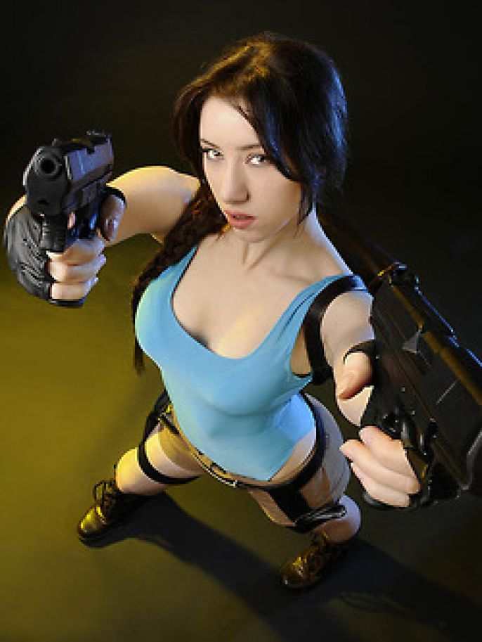Tomb Raider Guns Up