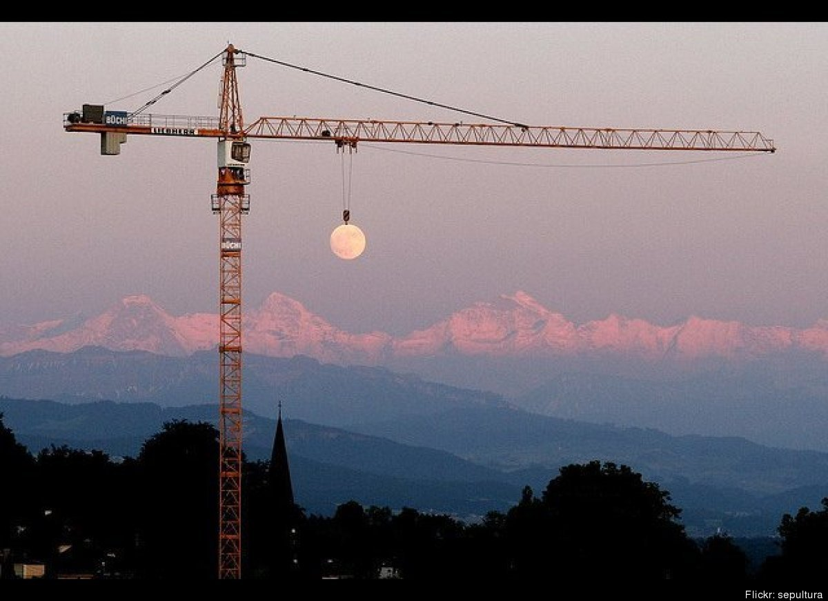 Crane moves the moon