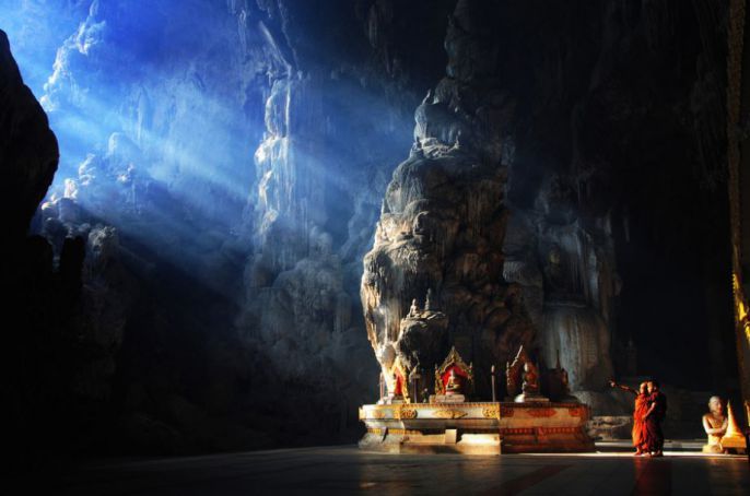 Light shines in cave