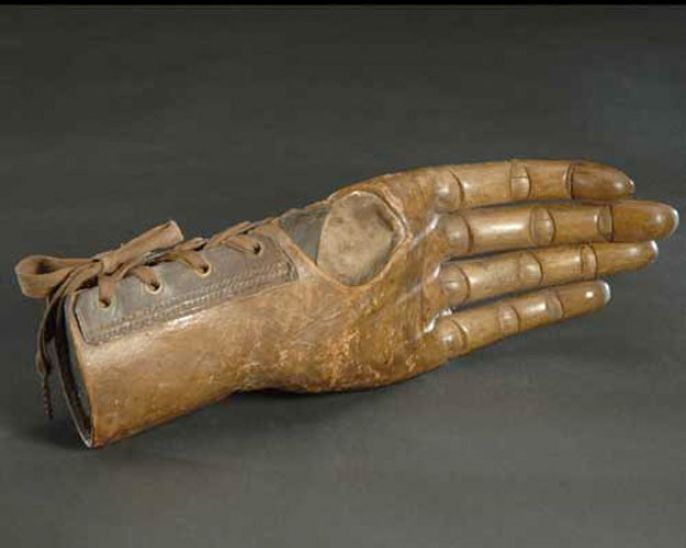 18. Female jointed hand, 19th century