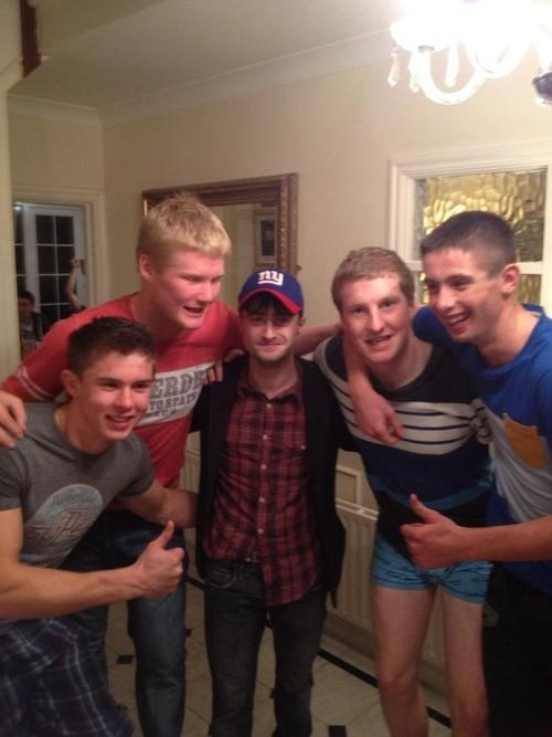 Daniel Radcliffe Knows How to Party Like a Bro от Kaye за 27 sep 2012
