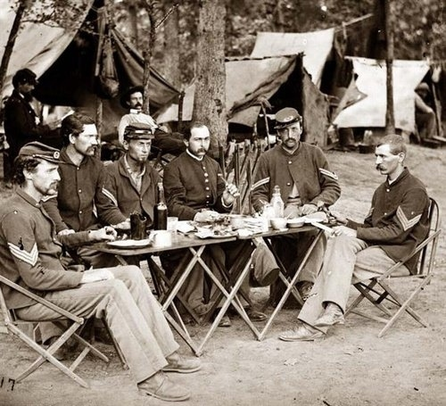 12. Coffee was issued as part of the food rations for Union soldiers during the Civil War.