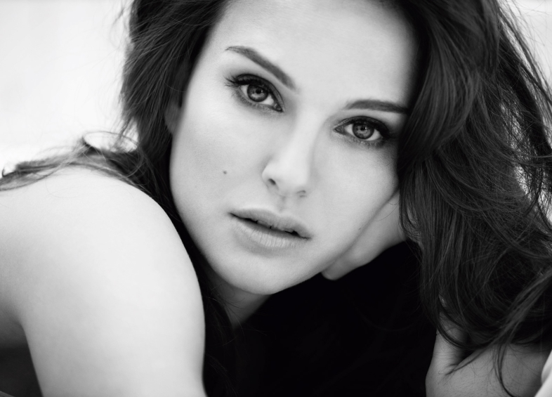 natalie portman bw photo