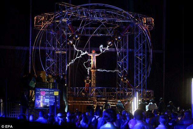 David Blaine Stands Three Days Amidst a Million Volts of Electricity