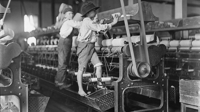 The Way Kids Used Machines 100 Years Ago Is Shocking Compared to Today