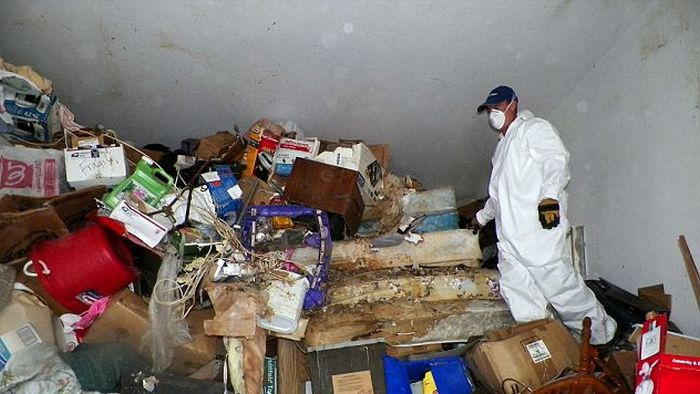 Inside the Hoarder's House  от Helen за 10 oct 2012