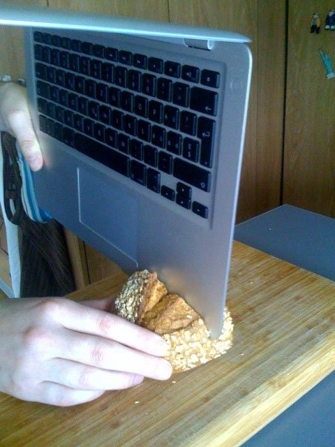 Slice bread with your laptop
