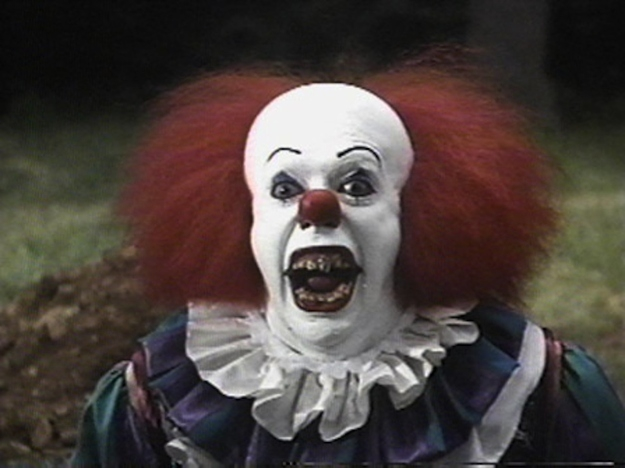 Pennywise's hair in 'It' was Tim Curry's real hair.