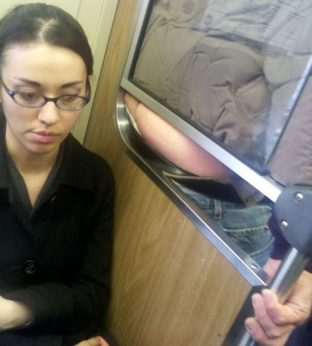 Do not do this on public transit! от mick за 23 oct 2012