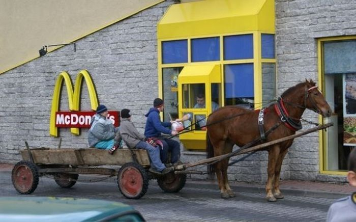 The Most Unusual Drive-Thru Customers от Helen за 26 oct 2012