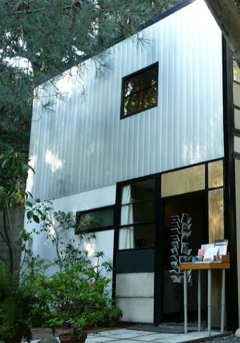 EAMES HOUSE, SANTA MONICA, US. CHARLES AND RAY EAMES, 1949
