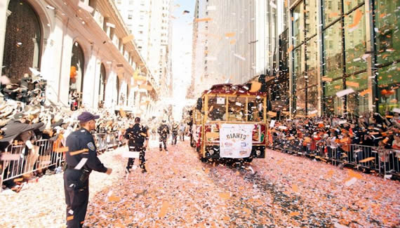 SF Gaints Sweep the City with a Parade! от Veggie за 31 oct 2012