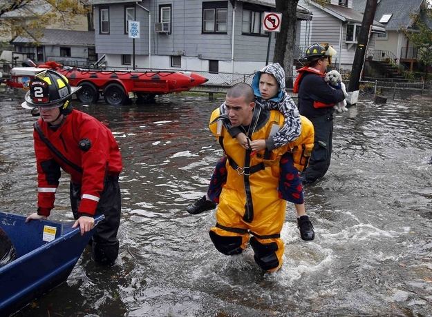 Truly Inspiring Images From Hurricane Sandy от Kaye за 01 nov 2012