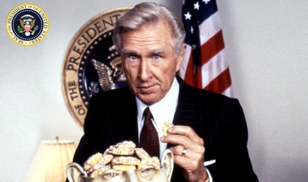 "Lloyd Bridges in ""Hot Shots Part Deux"""