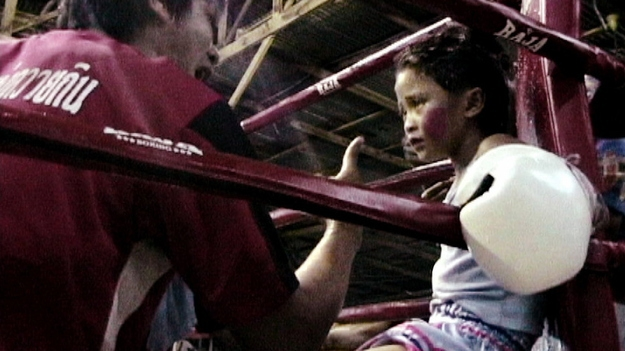Eight-Year-Old Girl Muay Thai Boxers: WTF? от mick за 09 nov 2012
