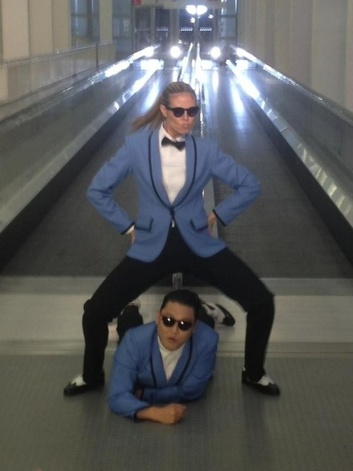 "Heidi Klum And Psy Do ""Gangnam Style"" For The MTV EMAs"