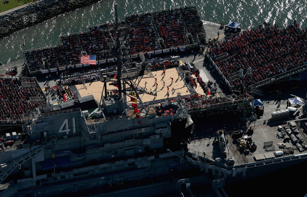 Syracuse v. San Diego State On An Aircraft Carrier от mick за 13 nov 2012