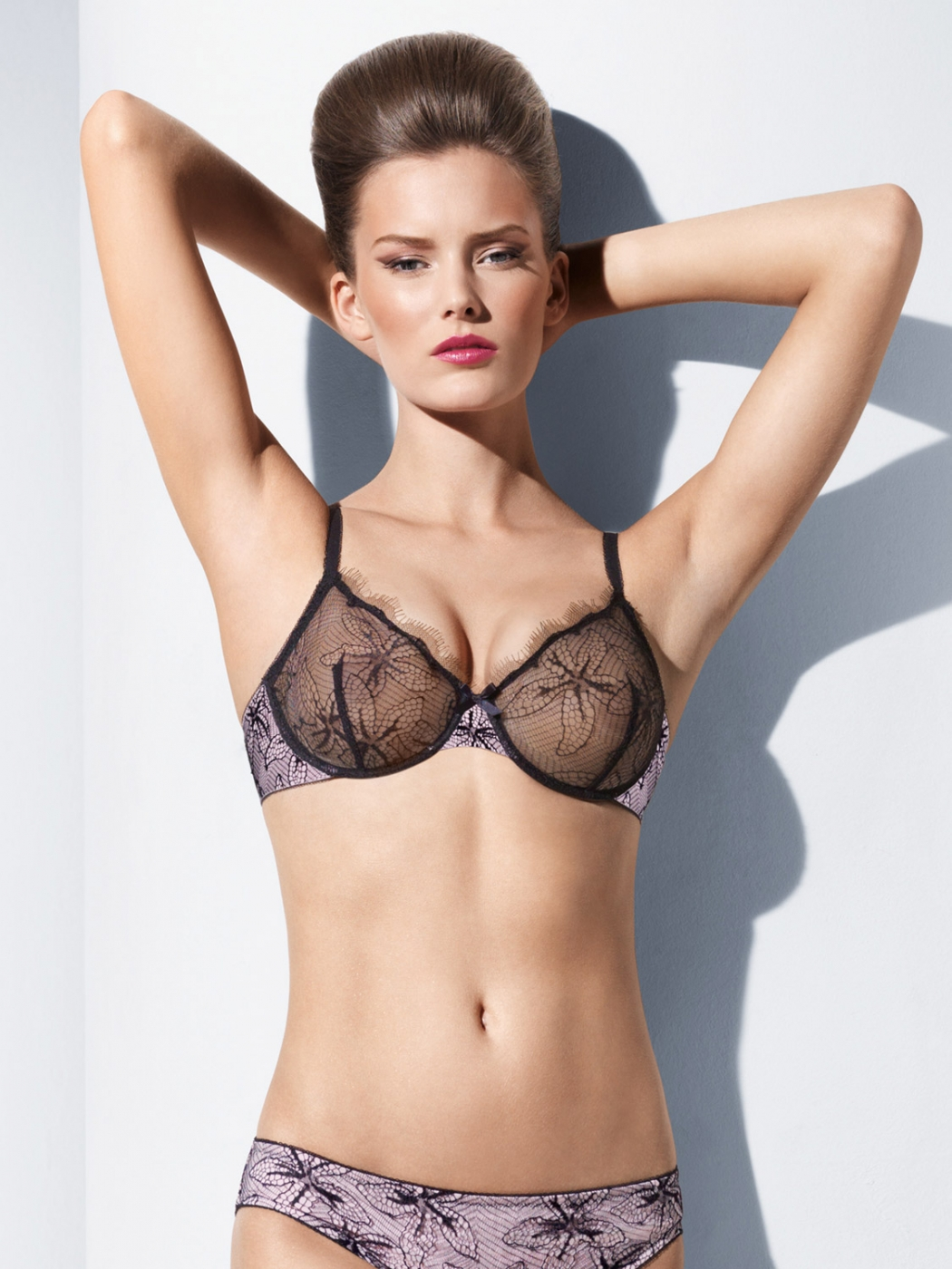 Ginta Lapina: Uber Sexy In Lingerie