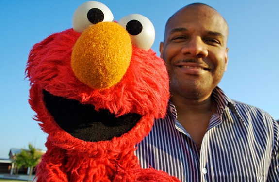 Elmo Puppeteer Accused of Underage Relationship