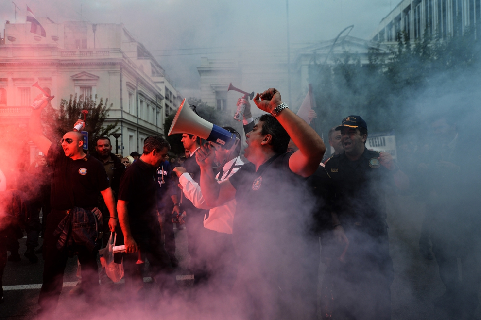 Massive Violence and Austerity protests  от Veggie за 14 nov 2012