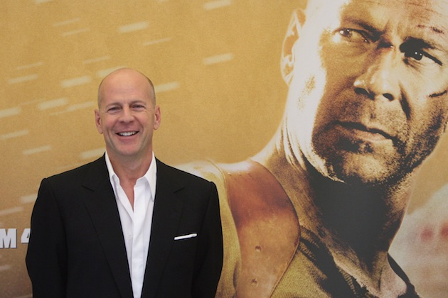 Fun Facts You Didn't Know About Bruce Willis от Veggie за 15 nov 2012