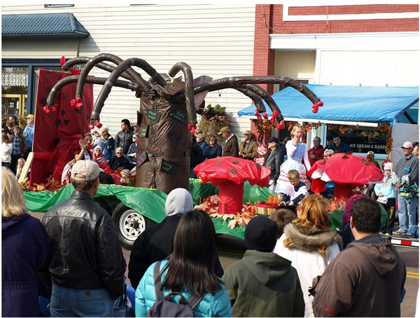 Weirdest Parade Floats Ever от mick за 19 nov 2012