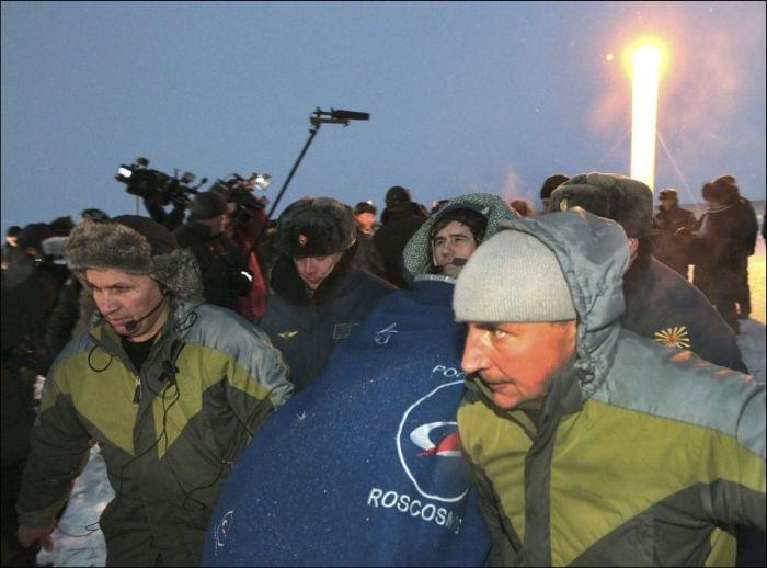 The Crew of Soyuz TMA-05m Is Back on Earth от Helen за 20 nov 2012