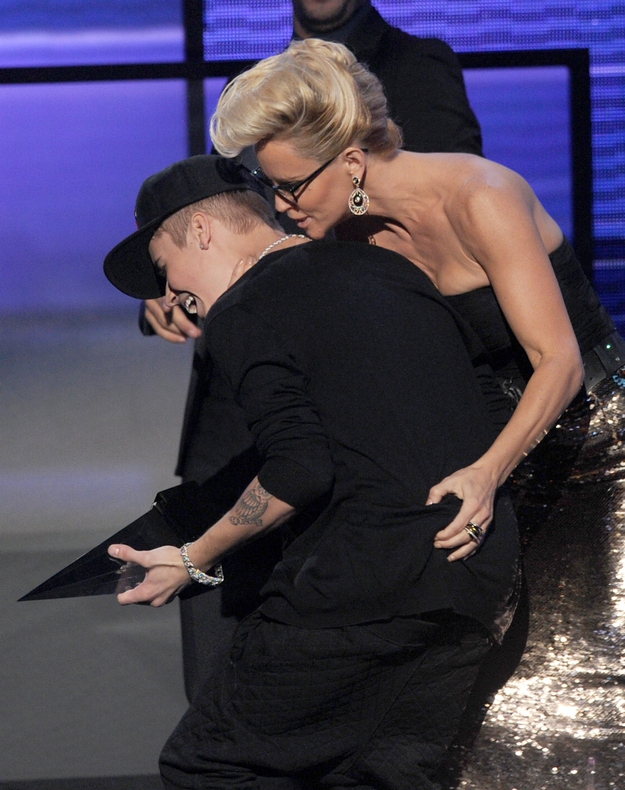 Jenny McCarthy: Couger From Hell от mick за 20 nov 2012