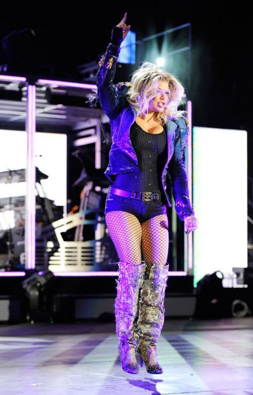 Celebs With Killer Boots: WANT! от Veggie за 20 nov 2012
