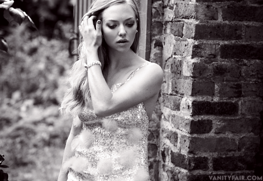 "Amanda Seyfried's Steamy ""Vanity Fair"" Spread от mick за 21 nov 2012"