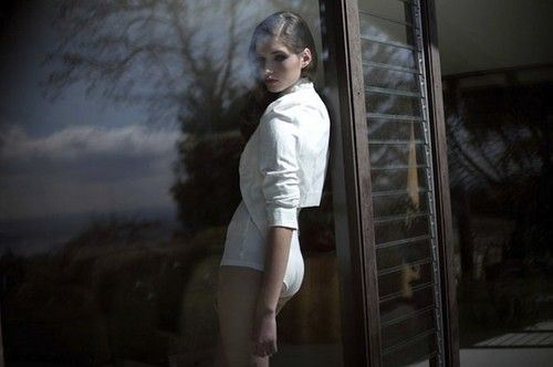 Poetic Photography: Hot girls looking out of windows.  от Veggie за 22 nov 2012