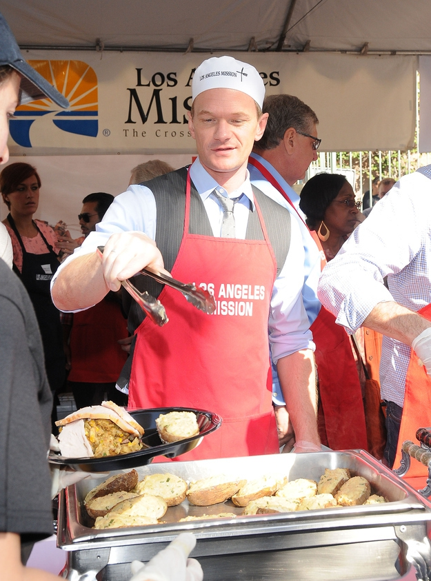 Neil Patrick Harris Feeds The Homeless