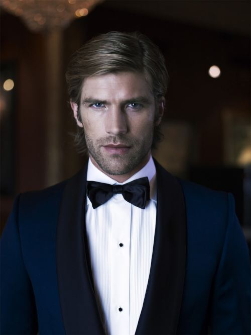 Eye candy for the Ladies: Men in Suits