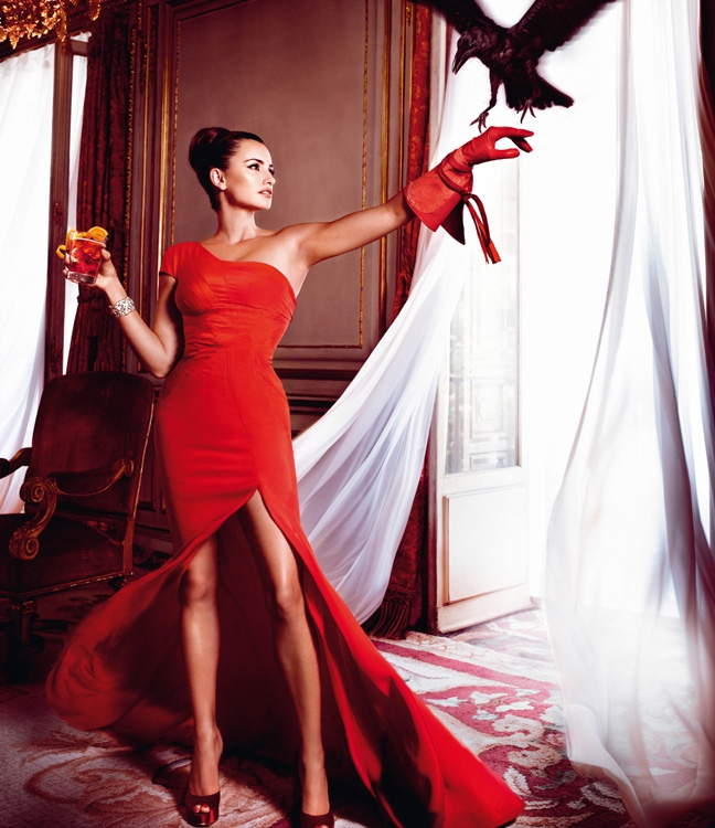 Penelope Cruz Gets Red Hot Hot Hot