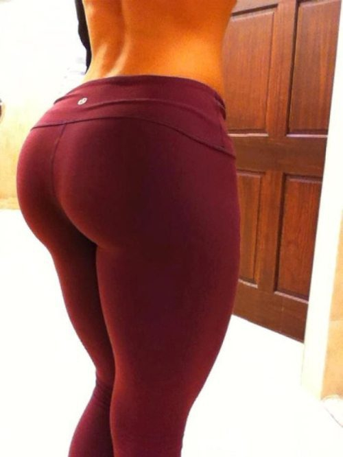 Sexy Girls in Yoga Pants