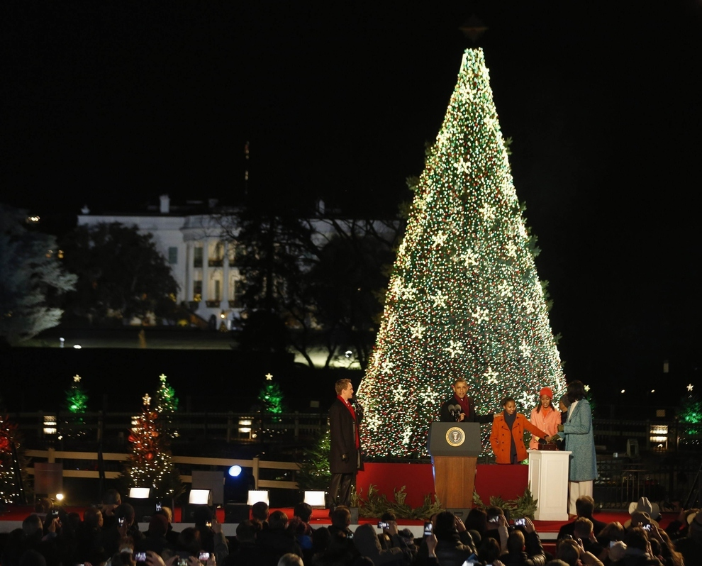 Obamas Light the National Christmas Tree