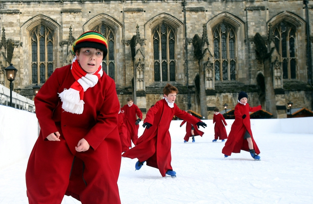 British Kids Ice-Skating: Real Life Hogwarts!