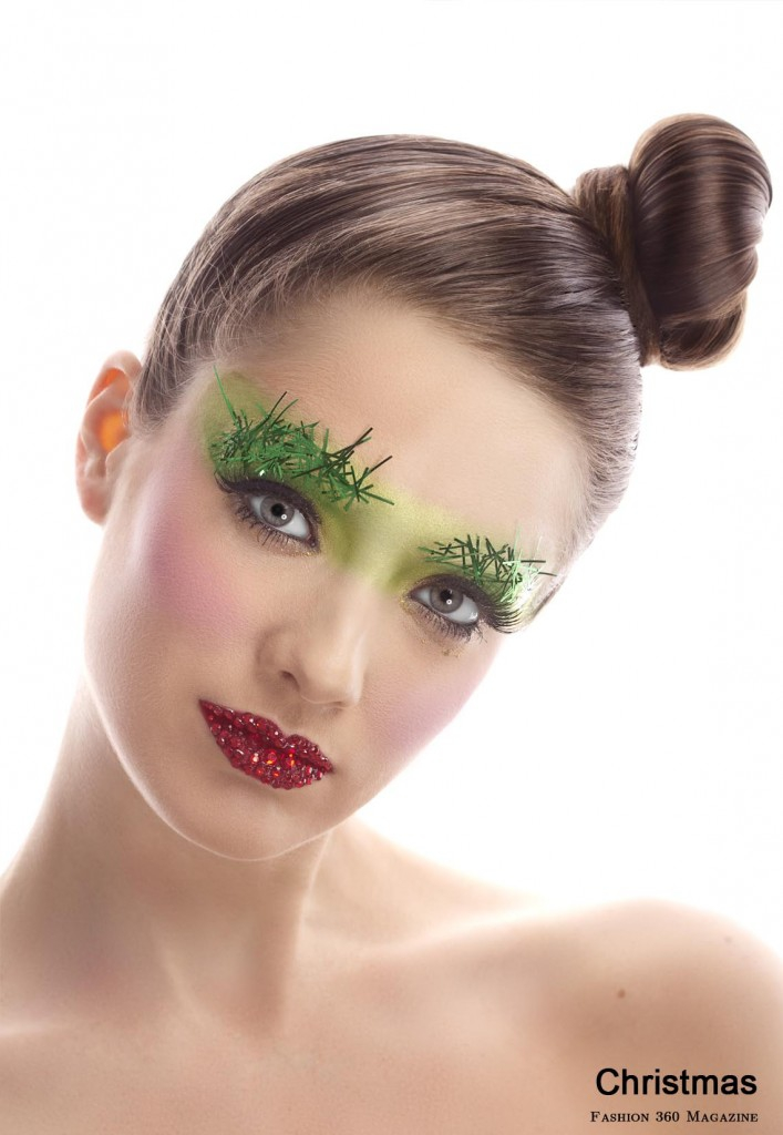 How NOT To Wear Christmas Makeup