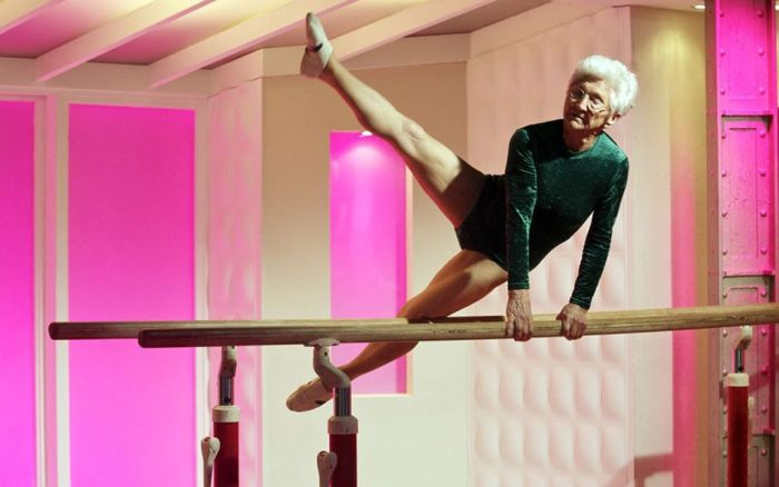 86-Year-Old Grandma Still Doing Gymnastics