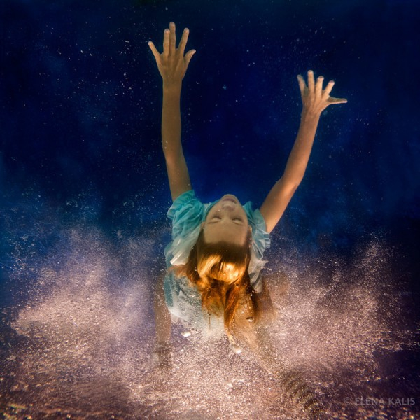 Enchanting Underwater Photos of Alice In Wonderland