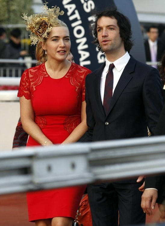 Kate Winslet is OFF THE MARKET!