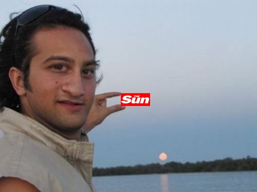 "The Best Of ""Can Someone Photoshop The Sun Between My Fingers?"""