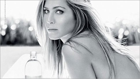 Jennifer Aniston Looks Stupid