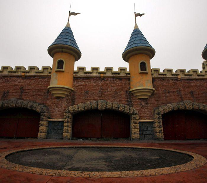 China's deserted fake Disneyland от Marinara за 10 jan 2013