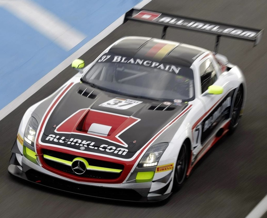 Wallpaper photos of the Mercedes SLS AMG GT3 in high-res