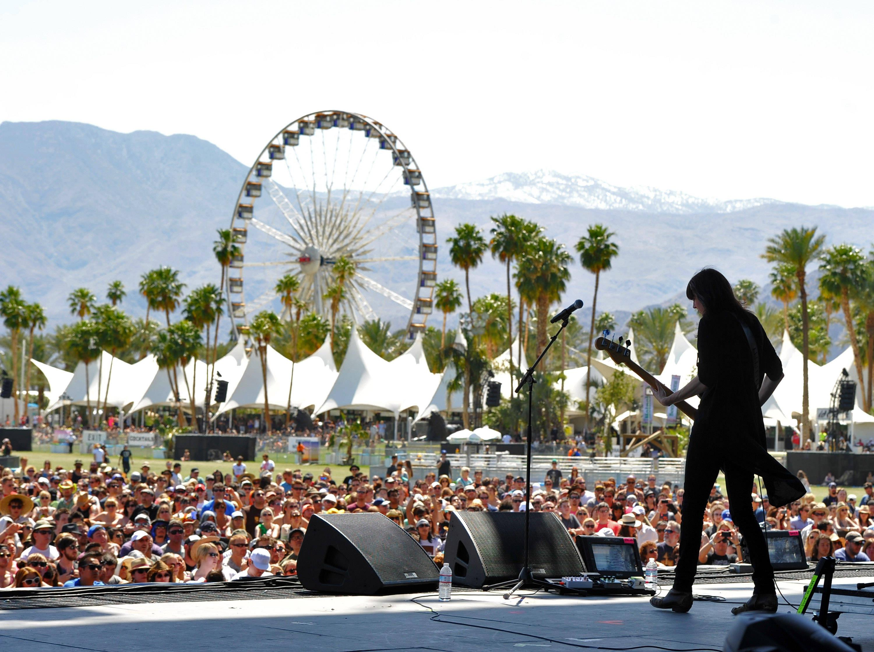 Tickets for Coachella Sold Out in Just 15 Minutes! от Marinara за 30 jan 2013